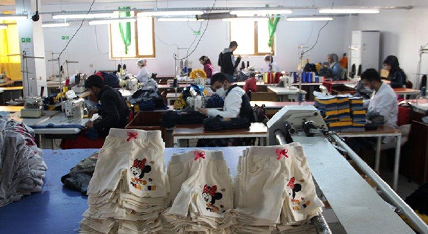 Tekstil İşçileri Geçim Derdinden Şikayetçi